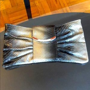 Express vintage clutch. Good condition.
